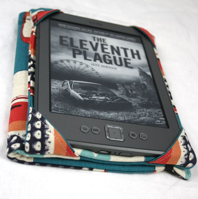 Tutorial for the Kindle Cover and Case | Whipstitch