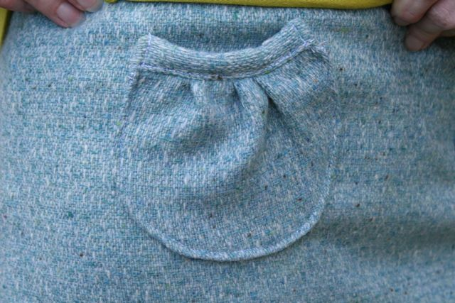 elastic skirt pocket