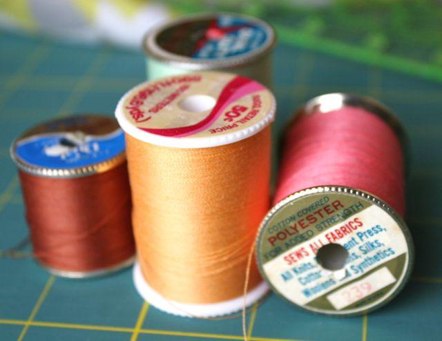 vintage-thread-spools