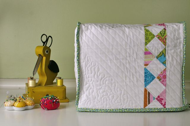 Quilted Sewing Machine Cover | Whipstitch