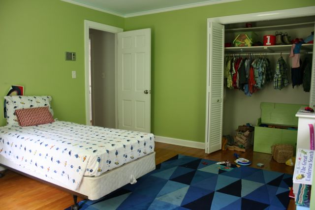 boys room before 2