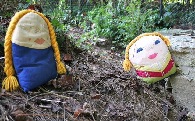 kindergarten dolls go hiking