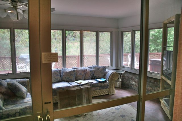 sunroom before detail