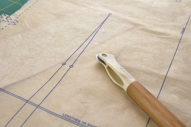 Using Tracing Paper On A Sewing Pattern Whipstitch Cool Pattern Tracing Paper