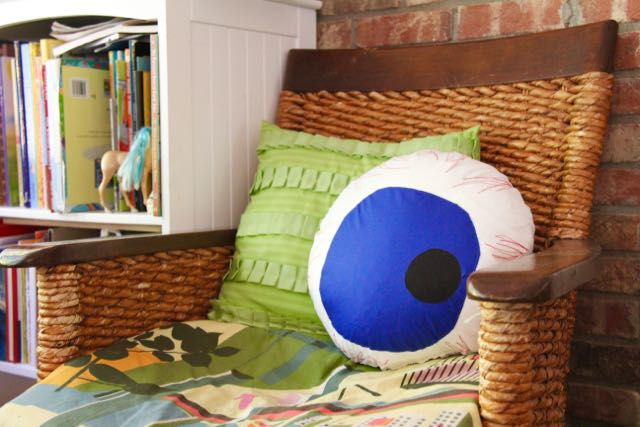 eyeball pillow 10